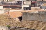 Si sbriciola Palazzo Lucatelli: lo storico edificio di Trapani perde parte del tetto