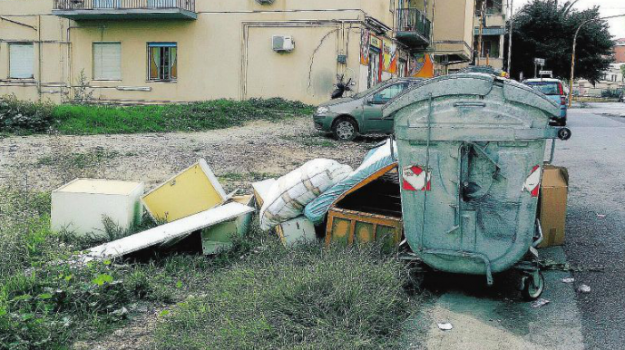 multe rifiuti caltanissetta, Caltanissetta, Cronaca