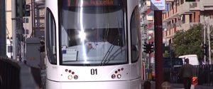 Pietra contro bus e botte a controllore del tram: a Palermo è allarme sicurezza sui mezzi Amat