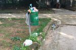 Palermo, una domenica mattina a Villa Sperlinga: bottiglie e cartacce tra il verde e l'area giochi