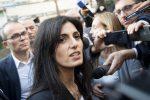 Sentenza di assoluzione, Virginia Raggi lascia il tribunale: tutte le foto
