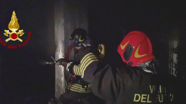 incendio garage viale Nitta Catania, Catania, Cronaca