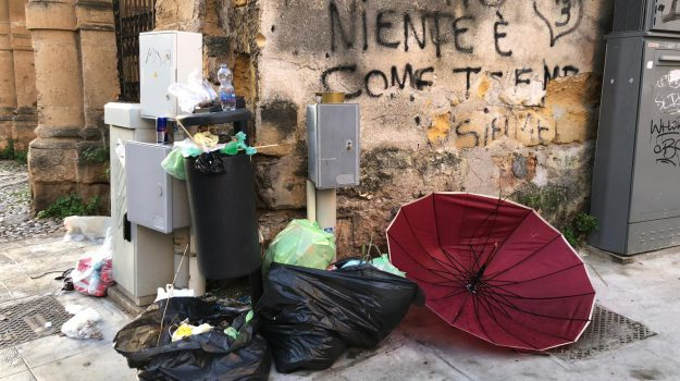 autocompattatori guasti, rifiuti a palermo, Palermo, Cronaca