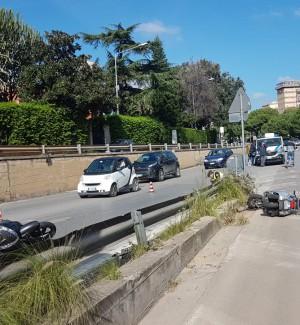 Incidente a Palermo, scontro tra due scooter in viale Regione Siciliana: due feriti