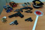 Catania, pregiudicato in casa con 2 chili di cocaina e armi: arrestato