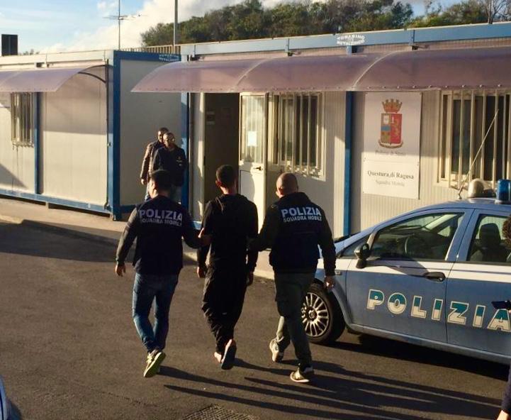 Migranti, 200 verso l'Italia E Salvini attacca Malta