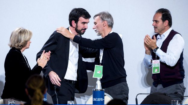 assemblea pd, Matteo Renzi, Maurizio Martina, Sicilia, Politica