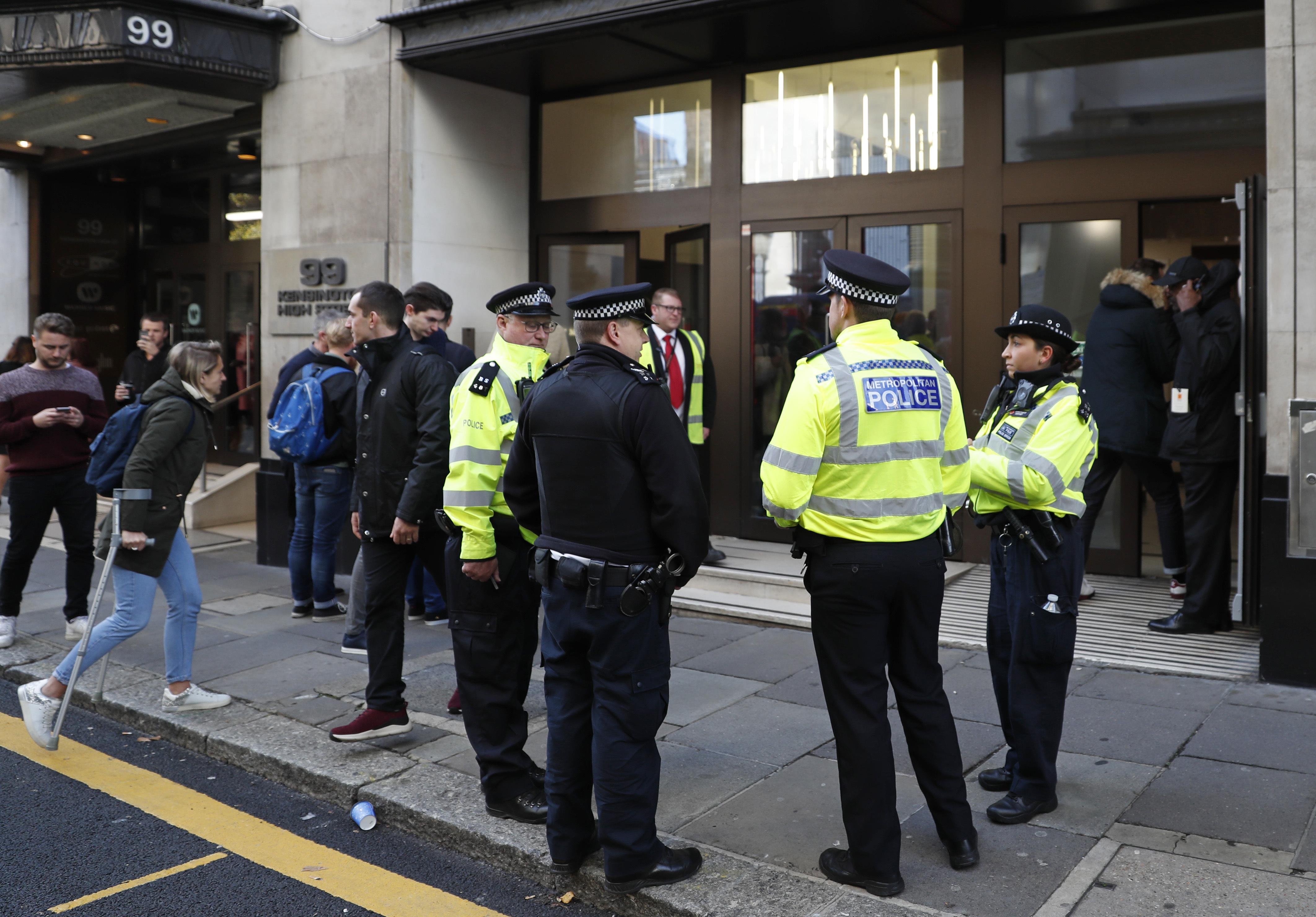 Londra, uomo ferisce con un machete due persone nel quartier generale Sony