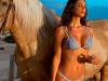 A cavallo o in biancheria intima: Belen è sempre la regina di Instagram