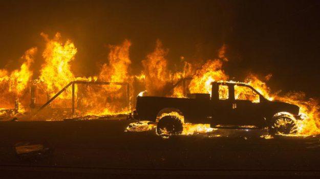 Incendio California Malibu, Sicilia, Mondo