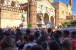 Dalla Zisa in Cattedrale, applausi e palloncini bianchi al funerale delle vittime di Casteldaccia