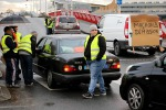 Francia: gilet gialli bloccano depositi di carburante