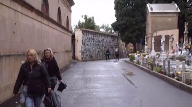 Festività con piogge e allagamenti, poca l'affluenza nei cimiteri di Palermo
