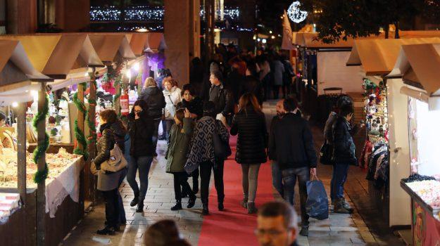 Palermo Festa Natale, Palermo, Economia