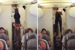 """Due passeggeri, un uomo e una donna, """"fanatici del fitness"""" hanno deciso di praticare yoga nel corridoio a bordo di un aereo"""
