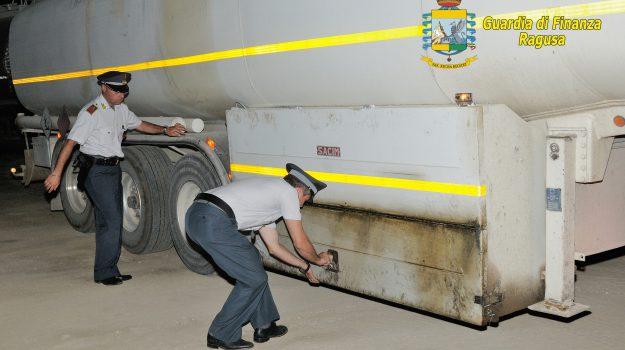 contrabbando di carburante agricolo Vittoria, Ragusa, Cronaca