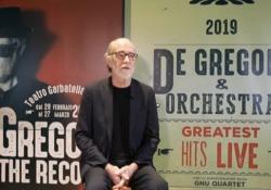 Il cantautore romano presenta «Off the record», due progetti dal vivo e con anima diversa