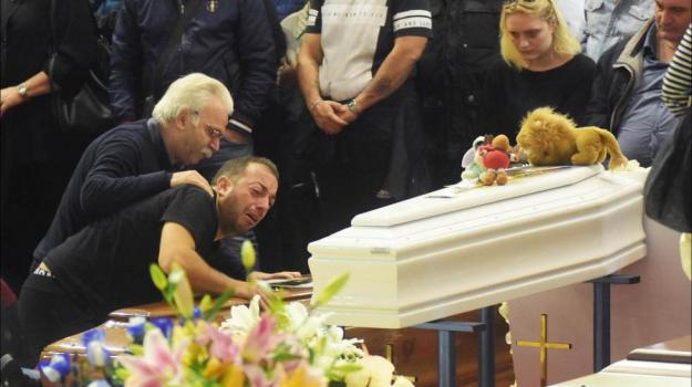 funerali vittime casteldaccia, maltempo sicilia, strage casteldaccia, Palermo, Cronaca