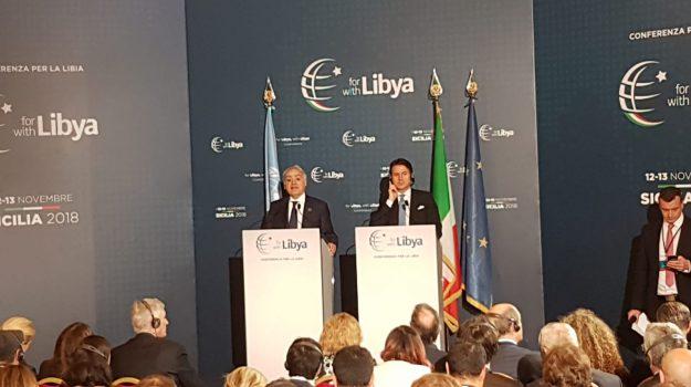 Giuseppe Conte durante la conferenza stampa dopo la Conferenza sulla Libia, Palermo