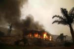 La California brucia ancora: almeno nove morti e decine di dispersi, vip in fuga da Malibù