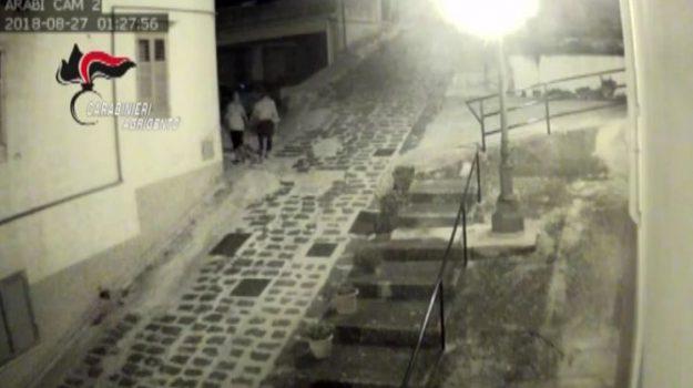 Sambuca, avrebbe dato fuoco a 5 auto: arrestato un 41enne di Palermo