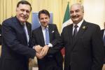 Summit sulla Libia a Palermo: Conte suggella la stretta di mano tra Sarraj e Haftar