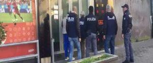 Le mani della mafia sulle scommesse on line: 28 fermi a Catania, sequestrate 46 agenzie