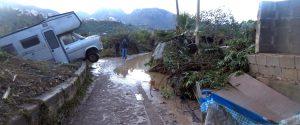 La stradella che conduce alla villa della tragedia a Casteldaccia