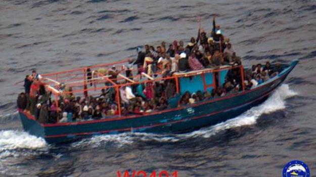 barconi migranti, Migranti Mediterraneo, Matteo Salvini, Sicilia, Mondo