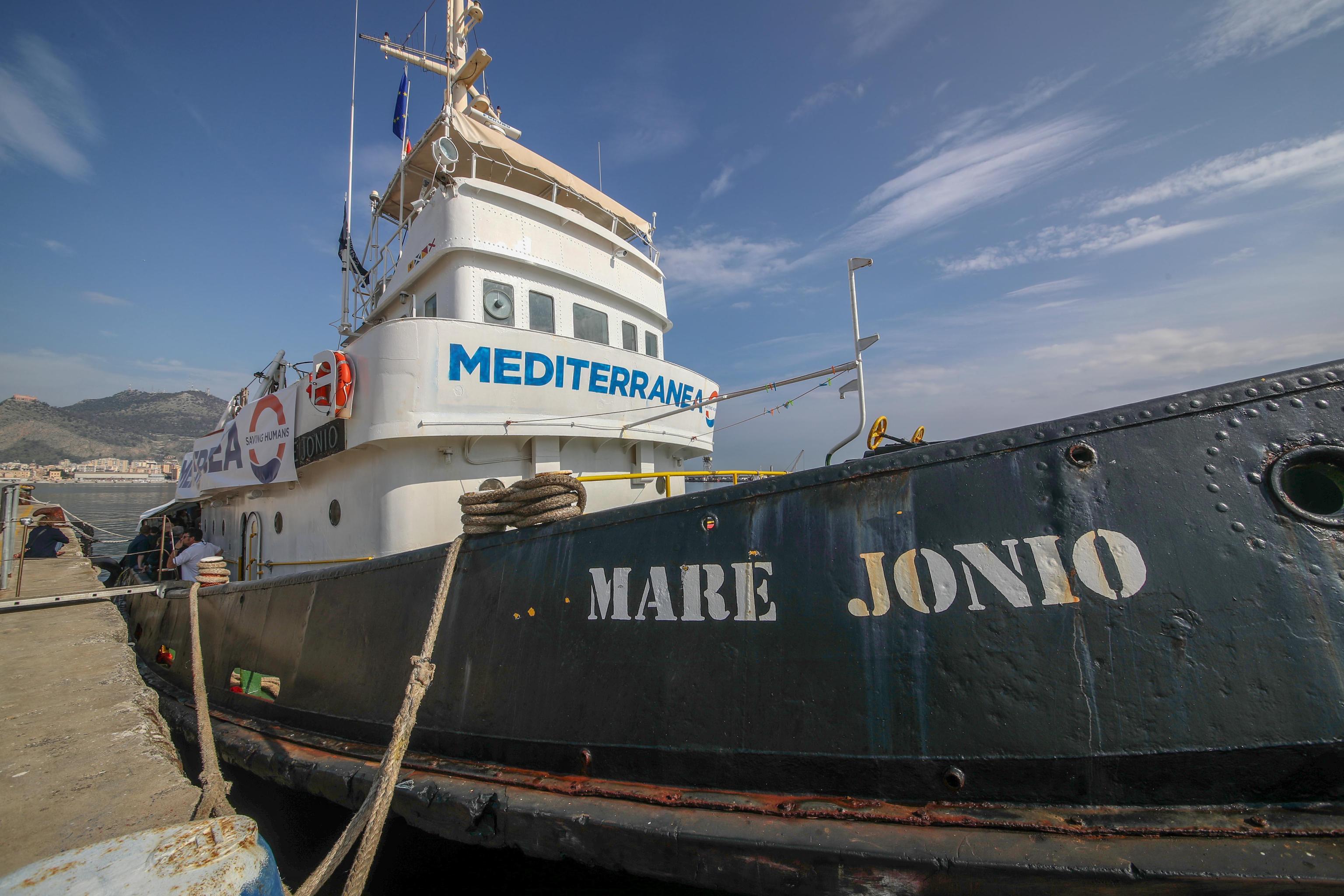 Risultati immagini per nave Mare Jonio immagini