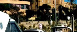 "Conferenza sulla Libia a Palermo, uno striscione ""No summit"" a Villa Igiea"