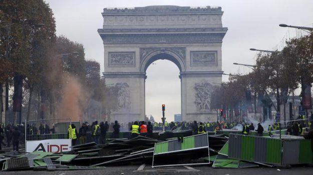 parigi, protesta gilet gialli, proteste, Emmanuel Macron, Sicilia, Mondo
