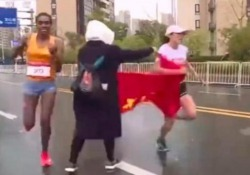 È successo nello sprint finale di una gara in Cina