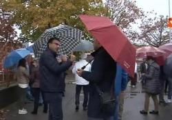 Protesta dei lavoratori e del sindaco di Novi Ligure per la chiusura dello stabilimento Pernigotti