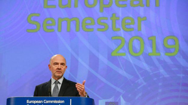 """Manovra, Moscovici: """"Non è positiva per il popolo"""". Conte oggi alla Camera"""