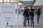 'Ndrangheta Aemilia, condannato si barrica in un ufficio postale e prende 4 ostaggi