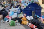Invasa dai rifiuti e con molte vie al buio: Messina in piena emergenza
