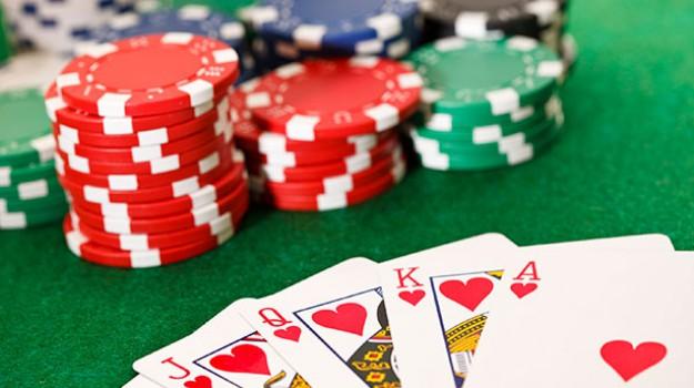 bisca clandestina gela, Gela bisca clandestina, poker gela, Caltanissetta, Cronaca