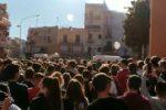 Tragedia di Casteldaccia, applausi e lacrime per il corteo delle bare alla Zisa