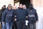 Droga dalla Calabria alla Sicilia, l'uscita degli arrestati dalla questura di Palermo