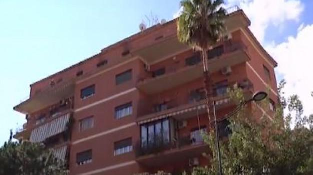 Incendio in via Giusti a Palermo, muore un uomo di 69 anni