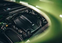 Alla ricerca delle emozioni in Highlands con Porsche Macan