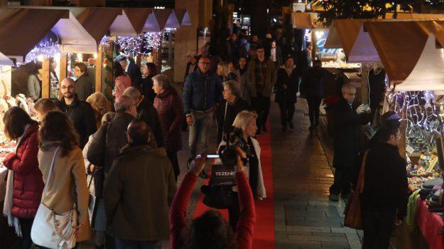 In via Magliocco apre i battenti la fiera di Natale: show cooking, musica e spettacoli a Palermo