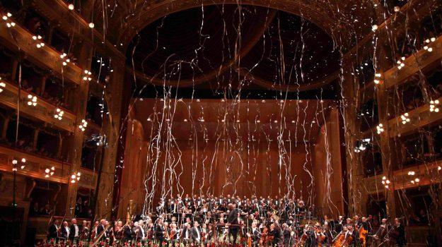 concerto caposanno teatro massimo palermo, Palermo, Società