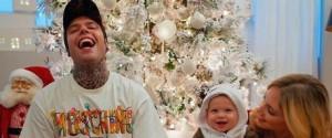 """Fedez emozionato sui social: """"Mio figlio ha detto papà per la prima volta"""""""