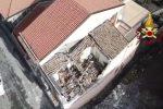 Nel Catanese crollano le case