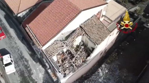 unipol banca catania terremoti, Catania, Economia