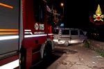 Tragedia ad Acireale, le foto del furgone che si è schiantato contro un muretto