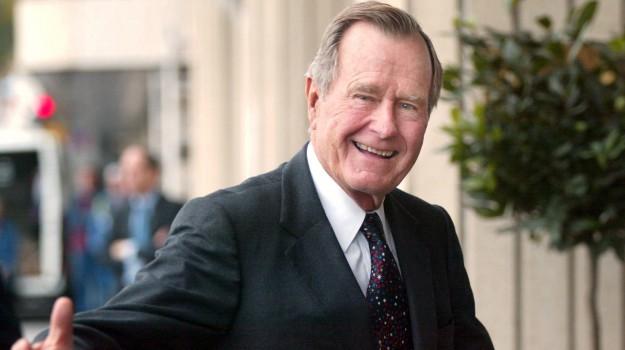morto George H. W. Bush, George H.W. Bush, Sicilia, Mondo