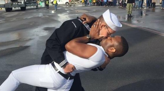 marinaio gay foto icona, Sicilia, Società